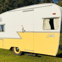 Restored Vintage Camper- 1960 Shasta Airflyte with Wings, Potty,Title